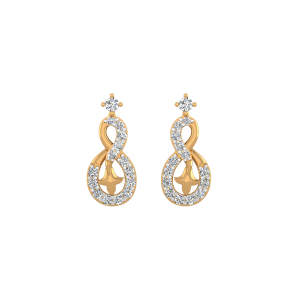 Dreaming Eight Diamond Stud Earrings